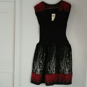 NWT Black & Red Beauty